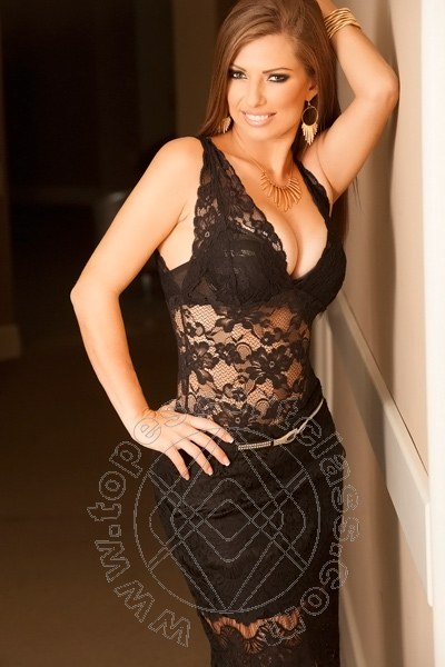 Carolina Dumont  AREZZO 347 0982876