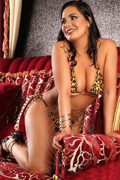 Michelle Novit�  CHIAVARI 334 5034408